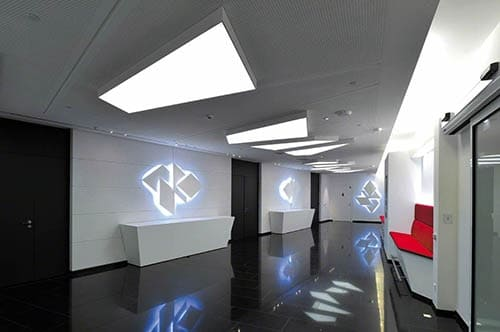 Room with GTs illuminated acoustic panels
